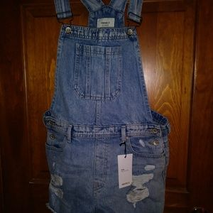 NEW Forever 21 Jean shorts overalls size 29